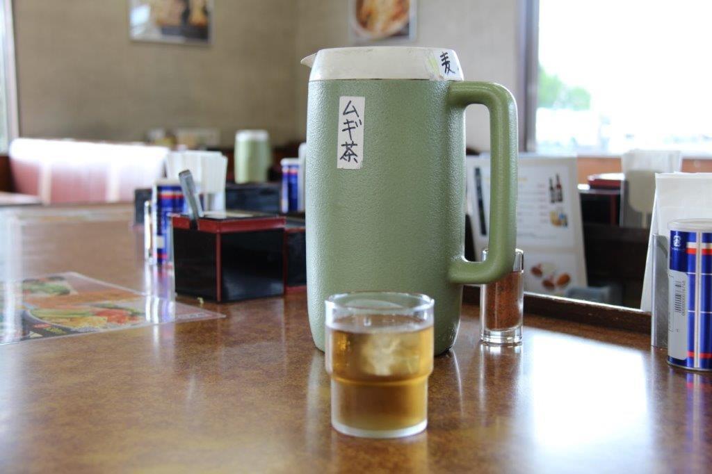 麦茶のピッチャー。